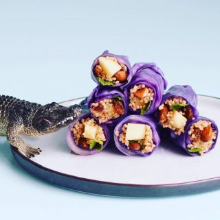 Red cabbage sushi